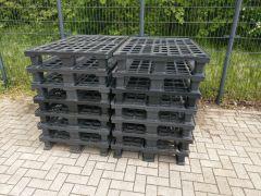 Kunststof pallets, 14 stuks